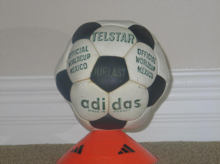 1970 Telstar Durlast 1 1972 Official Ball of the European Championships - Telstar