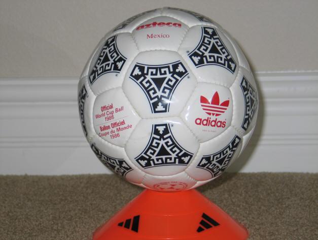 1986 World Cup Balll red