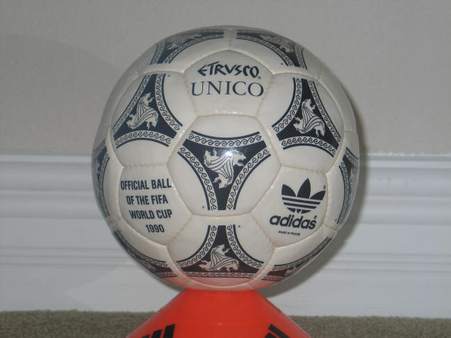 1990 Etrusco Unico World Cup ball R Official World Cup Etrvsco Soccer Ball 1990