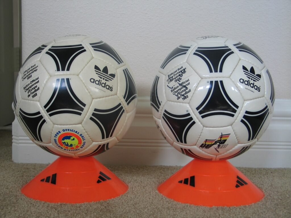 88 Euro balls 1988 Official Ball of the European Championships - Tango Europa
