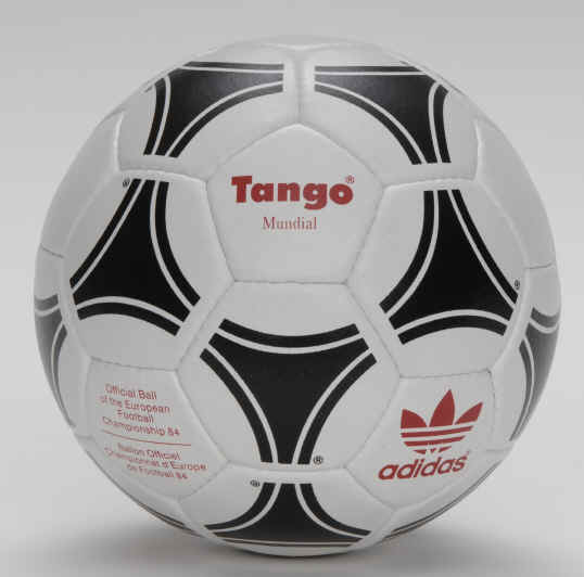 EURO_1984 1984 Official Ball of the European Championships - Tango Mundial