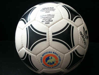 Europa_Tango2 1988 Official Ball of the European Championships - Tango Europa