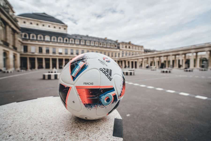 Euro_Facas 2016_10 Adidas unveils Fracas, the Official Match Ball of UEFA Euro 2016TM Knock-Out Phase