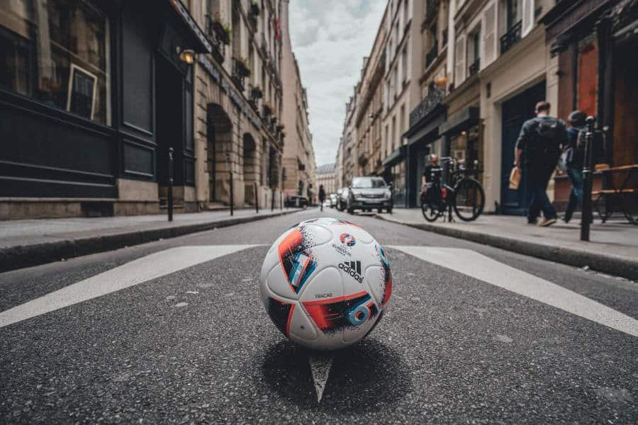 Euro_Facas 2016_13 Adidas unveils Fracas, the Official Match Ball of UEFA Euro 2016TM Knock-Out Phase
