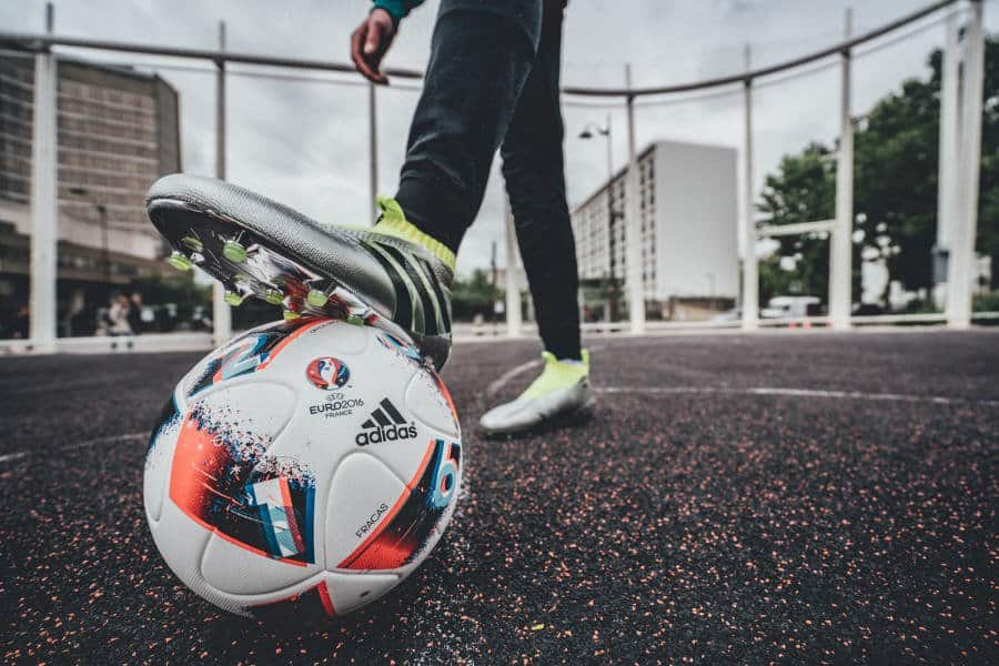 Euro_Facas 2016_14 Adidas unveils Fracas, the Official Match Ball of UEFA Euro 2016TM Knock-Out Phase