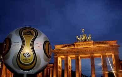 Golden-Ball-at_night Official World Cup Final Match Ball Teamgeist Soccer Ball