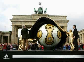 Golden-Ball_franz_beckenb Official World Cup Final Match Ball Teamgeist Soccer Ball