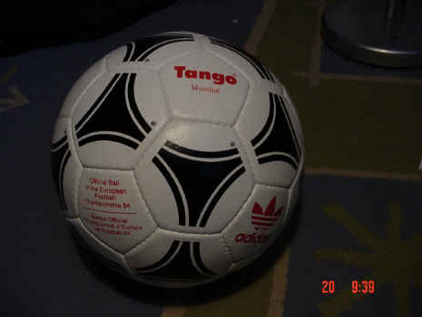 Mundial-Tango 1984 Official Ball of the European Championships - Tango Mundial