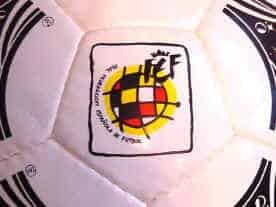 Questra Espanya Logo Official 1994 World Cup Ball Adidas Questra