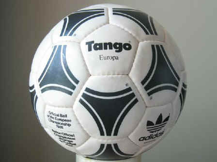 Tango Europa1 1988 Official Ball of the European Championships - Tango Europa