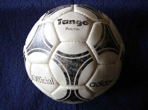 Tango_Rosario1 Official World Cup 1982 Tango Espana Soccer Ball