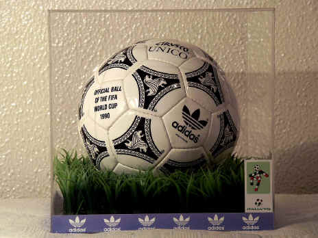 WC Etrusco Unico 1990 Official World Cup Etrvsco Soccer Ball 1990