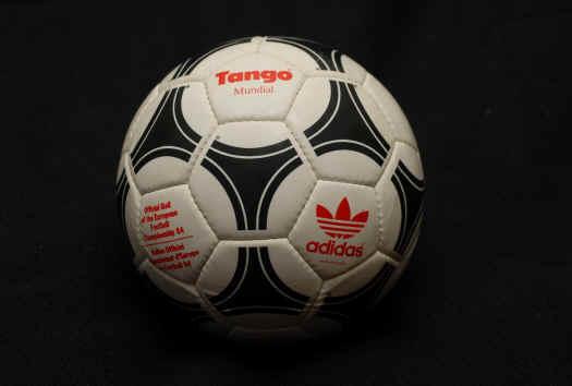 adidas_tango_Mundial Official World Cup 1982 Tango Espana Soccer Ball