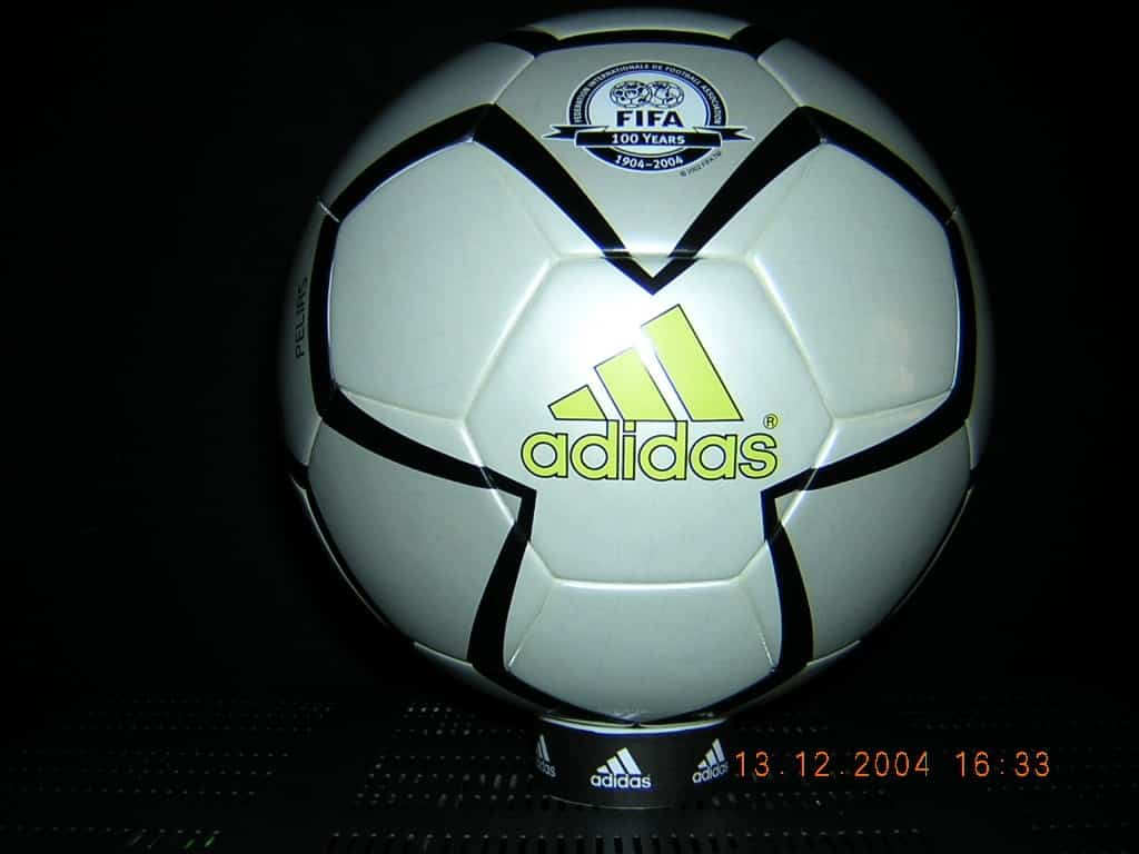 pelias ball Pelias 2004 Olympic Soccer Ball